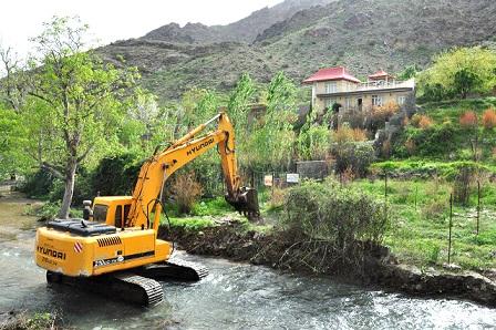 نظارتهای کم، عامل تجاوز برخی افراد به حریم رودخانهها