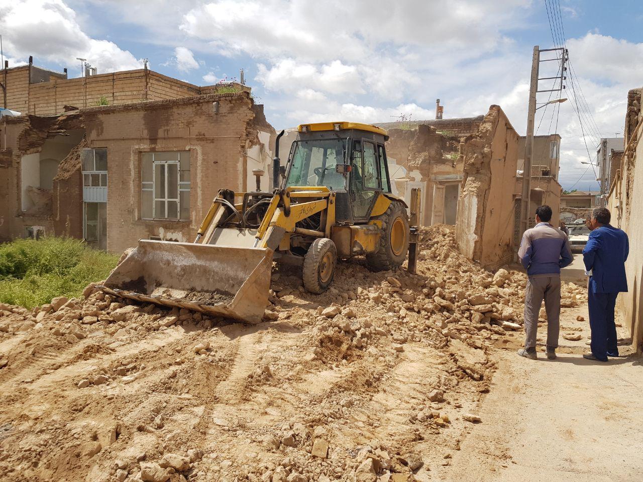 40 نقطه آسیب زا در نقاط مختلف شهر کاشمر رفع خطر شد