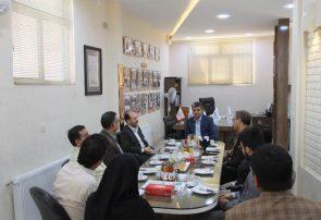 آغاز دیدار فرماندار با مدیران نشریات و خبرنگاران با حضور در نشریه آوایکاشمر