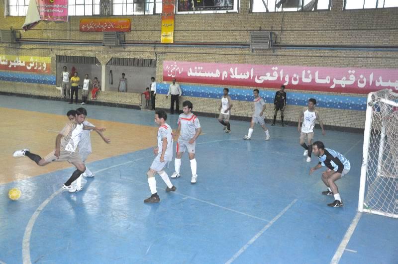 متولی ورزش کاشمر، ناتوان در برگزاری مسابقات شهرستانی