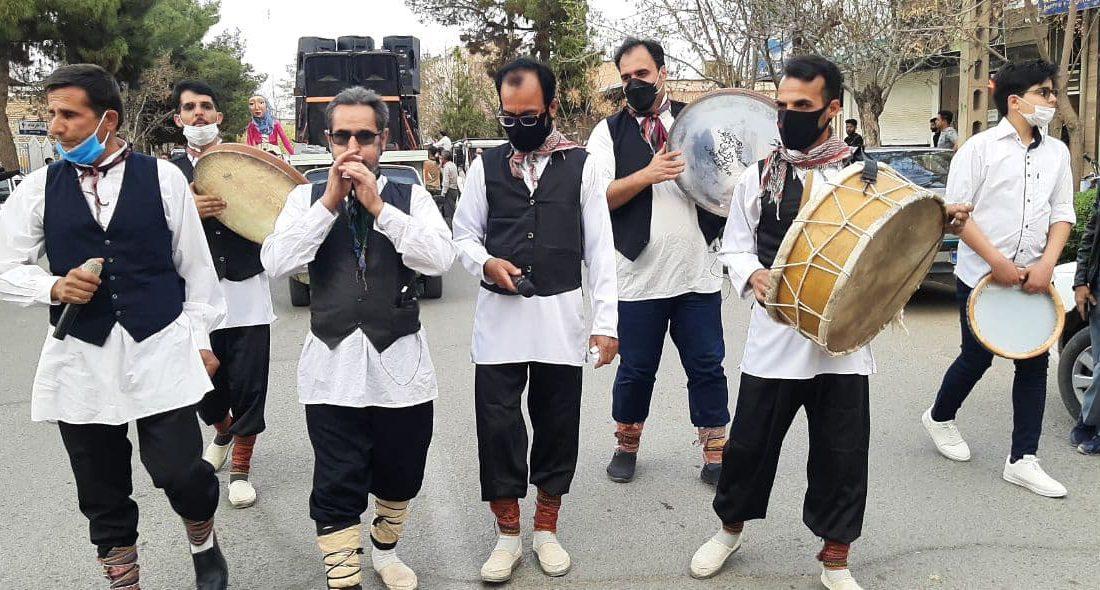 کارناوال شادی با رعایت پروتکلهای بهداشتی در کاشمر برگزار شد + گزارش تصویری