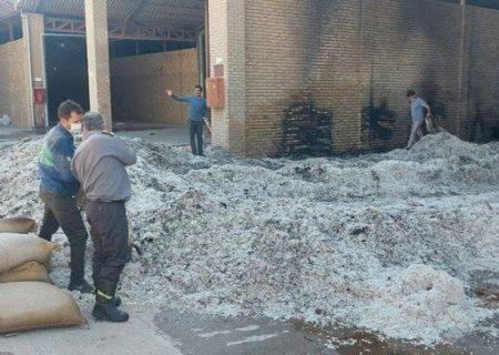 خسارت یک میلیارد تومانی آتش به کارخانه پنبه کاشمر